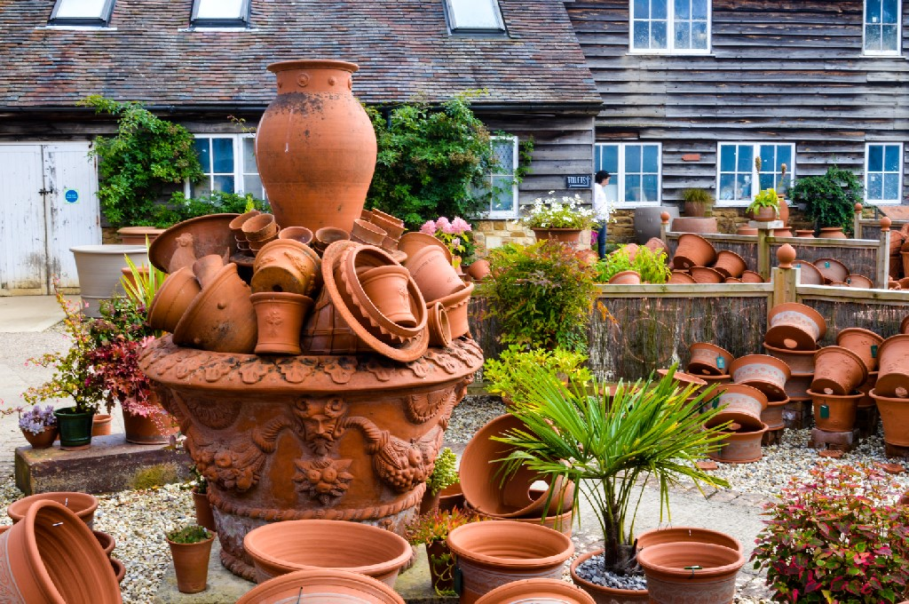 No trip the Cotswolds is complete without visiting Whichford Pottery and The Straw Kitchen