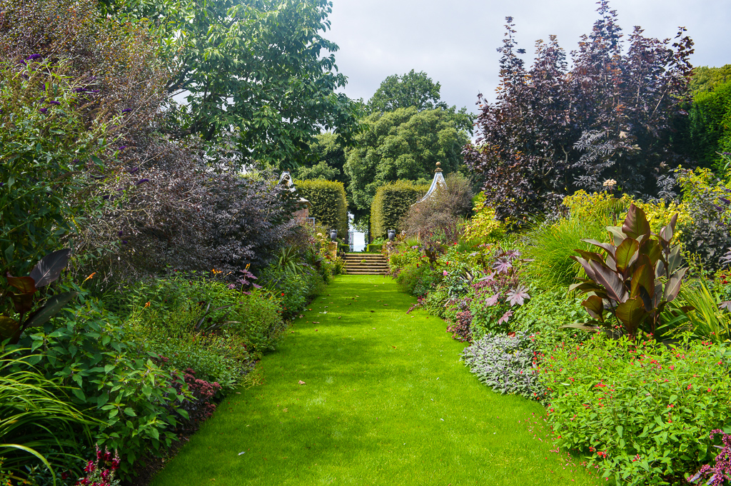 Why you must visit Hidcote Garden!