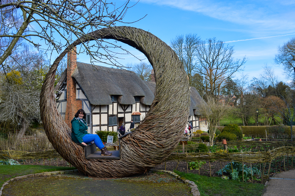 Local tips for visiting Anne Hathaway's Cottage, Stratford upon Avon